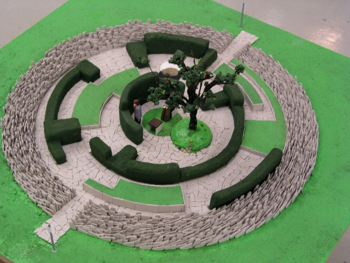 Diplomausstellung 16.02.2005, Modell der Wahrheitsinstallation